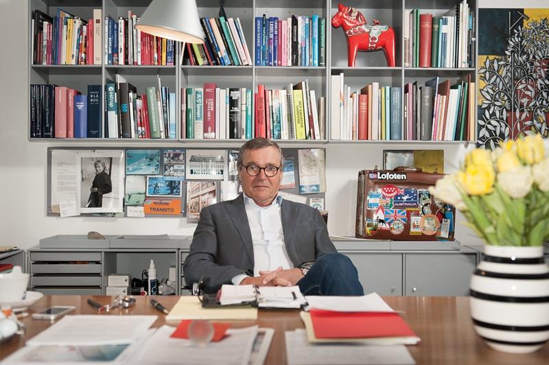 Mogens Brabrand Jensen ved sit skrivebord
