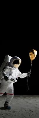 Astronaut. Tabroll. Højformat 750x2248. Uden tekst
